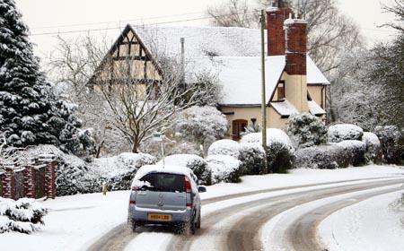 Как вести себя на зимней дороге