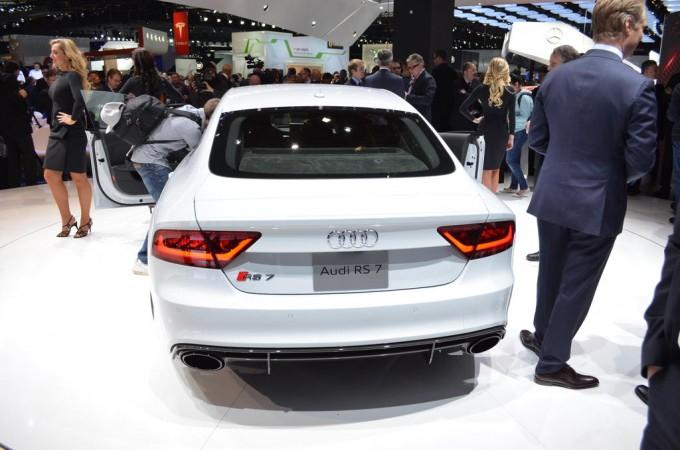 Audi RS7 устроит гонку на автопилоте